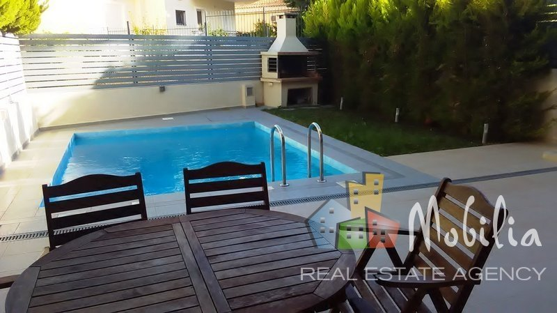 Semi-detached house for Rent - North suburbs of Athens